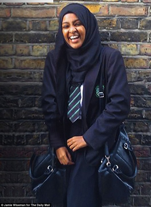 Amira Abase: 16-jarig schoolmeisje nu overtuigd Jihadist in Strotafsnijderië