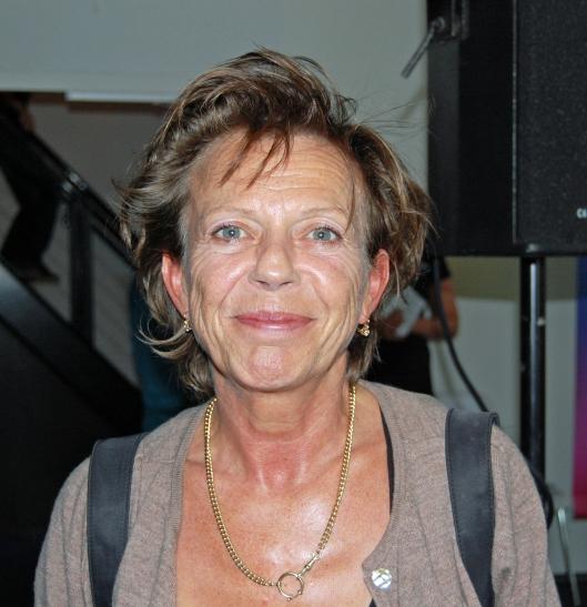 Connie Palmen, die op jeugdige leeftijd al een romantiserend stuk filosofie publiceerde, nu een een intens doorleefde vrouw en dan toch zo'n extreem dom pamflet ondertekekenen