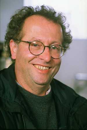 """Dit is Jop Pannekoek de vader van Peter. Let op de bijzonder """"p"""" in Job. Peter Pannekoek is dus echt wel in de VARA-familie gebakken. """"Op de zolder van zijn huis in Hilversum was een kantoor met afgedankt VARA-meubilair ingericht."""""""