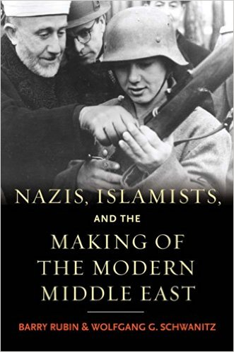 """De cover van het boek toont de Moefti van Jeruzalem die een soldaat instrueert van een van de soldaten van de """"Handschar"""", een SS-divisie van moslim-vrijwilligers uit Bosnië"""