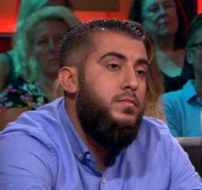 Mohammed Rashid bij DWDD met kalme, typisch islamitische gelijkheb-oogopslag