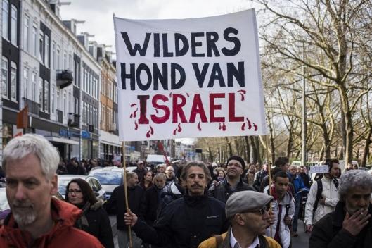BLOEDSPETTERS ROND WILDERS HOND VAN ISRAEL